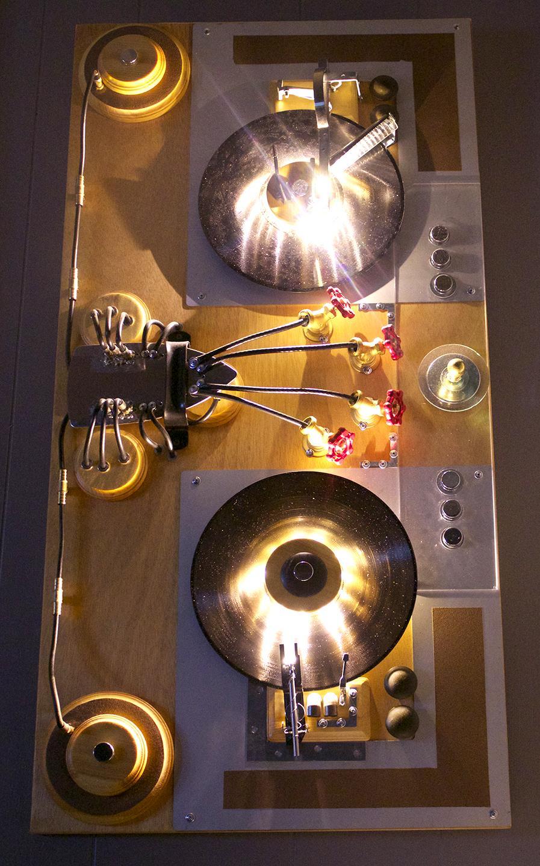 TurnTable Art, turntable sculpture, urban sculpture, music sculpture, music art, by artist Bryan Boutwell